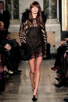 emilio pucci, fall 2013 #black #lace #fashion #dress
