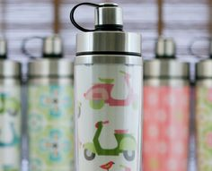 Love the different patterns on these water bottles.