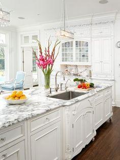 702 Hollywood: Kitchen Design