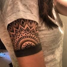 20 Beautiful Armband Tattoos would totally love to get this, with a thinner line that breaks the mandala though Arm Tattoo, Armband Tattoos, Tattoo Band, Tattoo Tribal, Armband Tattoo Design, Mandala Tattoo, Mandala Sleeve, Geometric Tattoos, Lotus Mandala