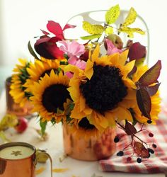 How to Make Paper Sunflowers (with Pictures)