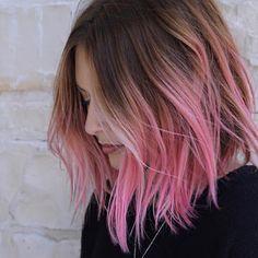 Hair Color Purple, Hair Dye Colors, Pink Hair Streaks, Ombre Bob Hair, Ombré Hair, Blonde Hair, Blonde Brunette, Wavy Hair, Brown Hair With Highlights