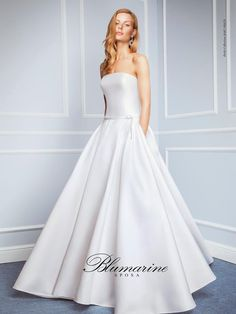 Visit the official Blumarine ® online store to see the latest fashionable looks. Always A Bridesmaid, Bridal Gowns, Wedding Dresses, Ball Gowns, Satin, Primavera Estate, Shopping, Wedding Stuff, Fashion