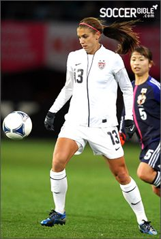 Alex Morgan (USWNT) may be one of my favorite Nike Laser athletes, and favorite female soccer player Morgan Usa, Alex Morgan, Us Soccer, Nike Soccer, Female Soccer Players, Female Football, Soccer Pictures, Sports Fanatics, Olympic Team