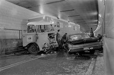 Na 75 jaar is de eerste onderwatertunnel van Nederland toe aan een fikse opknapbeurt - Fotoalbums - Voor nieuws, achtergronden en columns Citroen Logo, Old Vintage Cars, Sad Pictures, Abandoned Cars, Car Crash, Eindhoven, Rotterdam, Old Trucks, Recreational Vehicles