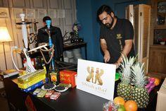 ShishaBar by Narguile Club estuvo presente en los Premios Profesionales La Boutique del Fumador.Arropada por TCI, la enseña ofreció una original degustación de sus productos y shishas acogida con gran éxito entre los invitados