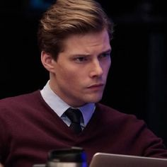 Hunter Parrish hairstyle - Master Hunter Parrish News Hunter Parrish hairstyle best Hunter Parrish hairstyle - Hunter Parrish, Freedom Writers, Still Alice, Shane West, Marvel Series, Tv Series, Independent School, Hot Actors, Famous Last Words