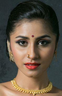 Beautiful Girl Indian, Beautiful Indian Actress, India Beauty, Asian Beauty, Indian Eyes, Woman Face, Girl Face, Glamorous Makeup, Most Beautiful Faces