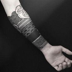 Maori tattoos – Tattoos And Tattoo Band, Forearm Band Tattoos, Forarm Tattoos, Calf Tattoos, Geometric Sleeve Tattoo, Full Sleeve Tattoos, Cute Tattoos For Women, Tattoos For Guys, Arm Band Tattoo For Women