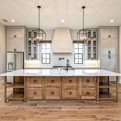 If you are looking for Modern Farmhouse Kitchen Decor Ideas, You come to the right place. Below are the Modern Farmhouse Kitchen Decor Ideas. Modern Farmhouse Kitchens, Farmhouse Kitchen Decor, Home Decor Kitchen, Diy Kitchen, Kitchen Interior, Home Kitchens, Kitchen Wood, Dream Kitchens, Farmhouse Ideas