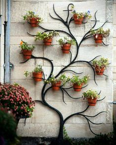 31 Awesome Diy Garden Art Design Ideas And Remodel. If you are looking for Diy Garden Art Design Ideas And Remodel, You come to the right place. Below are the Diy Garden Art Design Ideas And Remodel. House Plants Decor, Small Backyard Landscaping, Landscaping Ideas, Backyard Ideas, Vertical Gardens, Unique Gardens, Garden Art, Herb Garden, Garden Tips