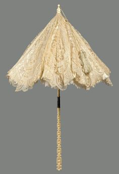 French white lace parasol, 1872. Courtesy of the MFA, Boston.