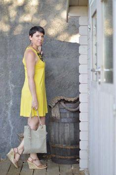Dressing for the heat: mustard yellow sun dress