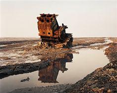 Edward Burtynsky - Shipbreaking #36 Chittagong, Bangladesh