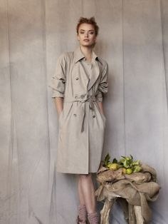 LOVE the pattern of this trenchcoat. Also in English available: http://www.burdastyle.com/patterns/42010-trench-coat