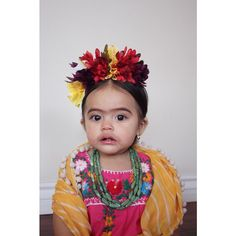 Frida Kahlo baby costume Cute Baby Girl Costumes, Creative Baby Costumes, Diy Baby Costumes, Cute Costumes, Disney Costumes, Little Girl Halloween, First Halloween, Family Halloween, Cute Halloween