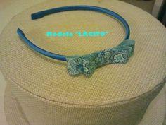 Diadema con lacito azul