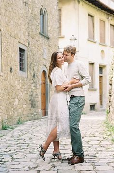 Charming Old-World Engagement Session in Tuscany - Once Wed
