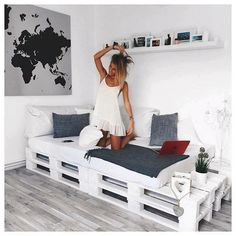Black + Grey + White + Pallet Daybed: Pallet bed/couch for studio? - Black + Grey + White + Pallet Daybed: Pallet bed/couch for studio? Black + Grey + White + Pallet Daybed: Pallet bed/couch for studio? Pallet Daybed, Pallet Furniture, Pallet Couch, Furniture Ideas, Sofa Ideas, Wooden Pallet Beds, Wooden Sofa, Daybed Ideas, Diy Daybed