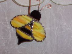 Bumble Bee Stained Glass Suncatcher por LuciasGiftEmporium en Etsy