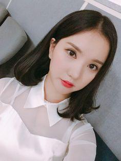 official update ~receh story of Jungkook and Eunha~ Kpop Girl Groups, Korean Girl Groups, Kpop Girls, Beautiful Girl Image, Beautiful Asian Girls, Gfriend And Bts, Jung Eun Bi, Girl Korea, Cloud Dancer