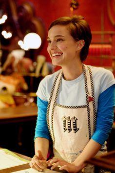 """Natalie Portman with a Pixie-Cut in """"Mr. Magoo's Wonder Emporium"""""""