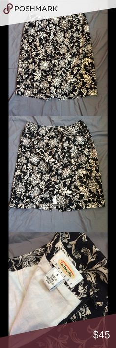 Beautiful Floral Talbots Mini Skirt❗️RARE Beautiful rare Talbots mini!! No damages, zipper and button work great. Slight slit in back of skirt. Questions? Leave a comment below⬇️⬇️⬇️. MAKE AN OFFER (: -Maria Talbots Skirts Mini