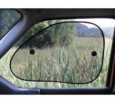 Mit dem Schattenspender Van im Doppelpack können Sie sich optimal gegen direkte Sonneneinstrahlung schützen. Er ist dabei lichtecht und farbbeständig. Car Mirror, About Me Blog, Design, Parkour Gym, Solar Shades, Shadows, Windows, Vehicles