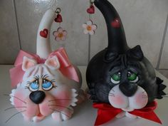 Blog carlatenorio: crafts, Cat Gourd ... a number of projects from gourds, including puppies, chickens, dolls, birdhouses... all painted so cute! <3 this! Cats I'll have to try.