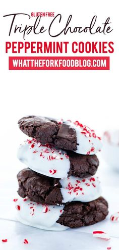 These Triple Chocolate Peppermint Cookies are the ultimate Christmas cookie! They're bakery style chocolate cookies with chunks of chocolate inside. Then they're dipped in white chocolate and sprinkled with candy cane pieces. Chocolate Marshmallow Cookies, Chocolate Chip Shortbread Cookies, Toffee Cookies, Yummy Cookies, Quick Cookies, Gluten Free Chocolate Cookies, Triple Chocolate Cookies, Peppermint Chocolate, Chocolate Icing