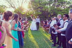 ♥♥♥  Casamento real e econômico da Ana e do Carlos Conheça mais essa linda história de casamento real feito à mão, com a ajuda dos amigos, com muita fé e ajuda de Deus. O casório da Ana e do Carlos! http://www.casareumbarato.com.br/casamento-real-economico-ana-carlos/