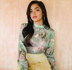 New Girl Style, Filipina Actress, Shot Hair Styles, Pretty And Cute, My Idol, High Neck Dress, Actresses, Character Ideas, Filipino
