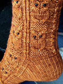 Owl socks with bead eyes from Knit Better Socks Knitting Stitches, Knitting Socks, Hand Knitting, Knitting Patterns, Crochet Patterns, Knitting Machine, Vintage Knitting, Stitch Patterns, Crochet Socks