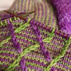 Wildlife Graphghan & FREE Crochet-along Knitting Socks, Knitting Needles, Free Knitting, Baby Knitting, Free Crochet, Knit Crochet, How To Start Knitting, Knitting For Beginners, Knitting Patterns
