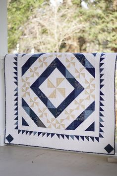 Pinwheel Quilt Patterns PDF Blue and White Quilt P /You can find Patterns and more on our website.Pinwheel Quilt Patterns PDF Blue and White Quilt P / Pinwheel Quilt Pattern, Scrappy Quilt Patterns, Christmas Quilt Patterns, Quilt Blocks, Christmas Quilting, Beginner Quilt Patterns, Scrappy Quilts, Star Quilts, Two Color Quilts