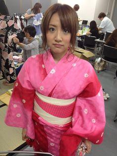 篠田 麻里子 : 今日は火曜曲生放送!! http://blog.mariko-shinoda.net/2012/07/post-189.html