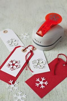 Snowflake Punch - NEW You won't be able to put it away. Great fun, and so easy to create wonderful three dimensional snowflake tags, wrapping or anything you fancy. X-SNOFLAKEPUNCH H cm W 7 cm L 10 cm Weight Noel Christmas, Homemade Christmas, Christmas Ideas, Handmade Gift Tags, Christmas Gift Wrapping, Card Tags, Holiday Crafts, Cardmaking, Gifts