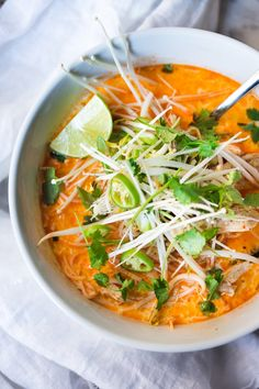 Laksa Soup w/ Malaysian style coconut curry broth, chicken or shrimp over rice noodles with fresh bean spouts, lime and cilantro. Healthy Canned Soups, Asian Recipes, Healthy Dinner Recipes, Cooking Recipes, Asian Desserts, Vegetarian Recipes, Healthy Food, Laksa Soup Recipes, Laksa Recipe