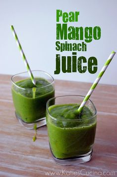 Pear-Mango-Spinach Juice: 2 pears, 1 mango, 1 cup spinach