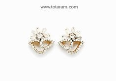 Diamond Earrings for Women in 18K Gold - DER854 - Indian Jewelry from Totaram Jewelers