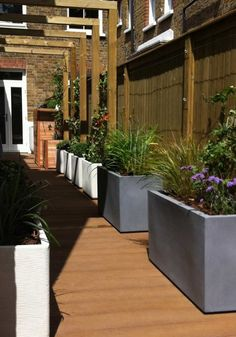 This side return garden in Balham was designed to compliment a kitchen extension and maximise the use of this lovely space. Back Gardens, Small Gardens, Outside Seating Area, Outdoor Kitchen Patio, Side Return, Backyard Seating, English Country Gardens, New House Plans, Garden Spaces