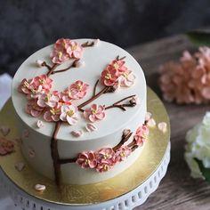 • 新春快乐 • Wishing all a Prosperous & Joyous Chinese New Year!! Huat Ah!! . . . #vscocam #ediblesbakeshop #buttercream #foodwinewomen #cakeporn #cakestagram #dessert #delicious #dessertporn #sgeats #foodgasm #foodporn #igsg #onthetable #vscofood #sgbakes #sgcakes #sgfoodies #flowercake #foodstyling #foodphotography #feedfeed #buzzfeedfood #instacake #sweetmagazine #bakersofsgp #pastry #cakestagram #wiltoncakes