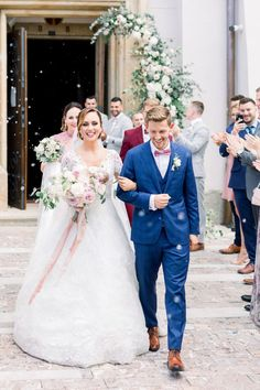 We could not dream up a more romantic setting than this gorgeous destination wedding in a chateau. Filled with lush florals in mauve and dusty rose and all the sparkling details, this wedding in the Czech Republic is like something from a fairytale.
