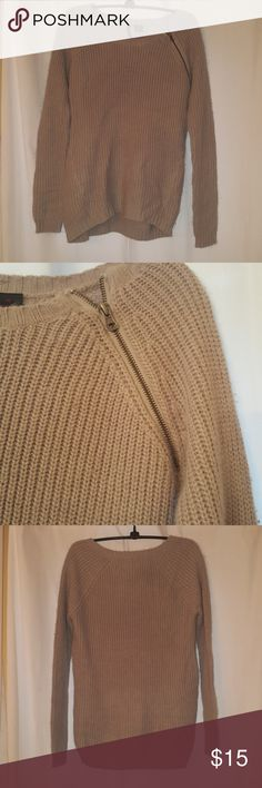 Gray sweater in time for the cold weather Soft gray sweater with zipper on shoulder. Sweaters