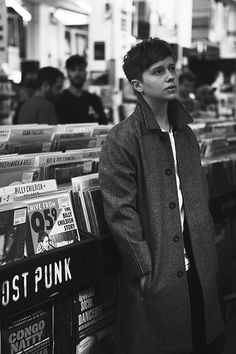 Nothing But Thieves - Conor Mason - fantastic vocalist! He sort of counts as a TV crush because he's on the tele in music videos.and he's beautiful in them. Music Stuff, My Music, Minor Character, Arctic Monkeys, 16 Year Old, Poses, Music Bands, Hipsters, Movies
