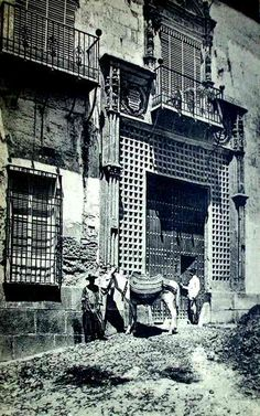 Córdoba. Palacio del Marqués de la Fuensanta.Eran ricos pero vivian miserablemente con los standars actuales.Señores y siervos.