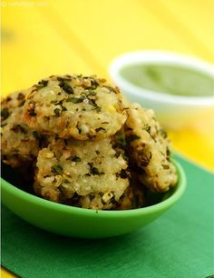 Pohe Ke Vade, a seemingly traditional yet innovative combination of ingredients like beaten rice, soaked moong dal, green and chillies results in a delicious vada that is sure to make tea-time all the more interesting. Jain Recipes, Indian Food Recipes, Vegetarian Recipes, Appetizer Recipes, Snack Recipes, Cooking Recipes, Appetizers, Yummy Snacks, Cooking Ideas