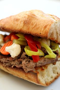 Instant Pot Chicago Italian Beef Sandwich--thinly sliced seasoned roast beef piled onto a bun with flavorful juices and some pickled vegetables. An amazing sandwich with tons of flavor! Instant Pot Pressure Cooker, Pressure Cooker Recipes, Pressure Cooking, Slow Cooking, Budget Cooking, Vegetarian Cooking, Easy Cooking, Vegetarian Barbecue, Italian Beef Sandwiches Chicago