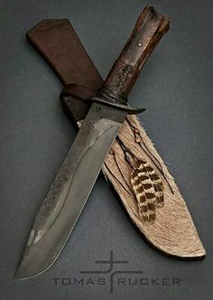 Tomas Rucker knives. Awesome design, makes me think about the Inuit or the native Americans like the the Sioux and Apache. Really beautiful, a knife for life.