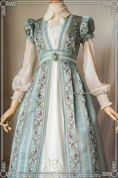 Surface Spell -The Boat Sailing to Fairyland- Vines Embroidery Vintage Lolita Blouse Old Fashion Dresses, Fashion Outfits, Vintage Dresses, Vintage Outfits, Mode Lolita, Fantasy Dress, Cute Fashion, Rock Fashion, Emo Fashion